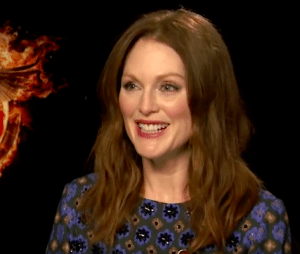 Elizabeth Banks' Whohaha-Julianne Moore Ask a Badass