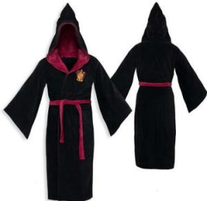 Elizabeth Banks' Whohaha-Gryffindor Robe
