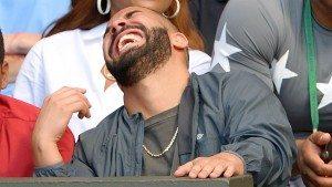 Elizabeth Banks' Whohaha-Drake Laughing