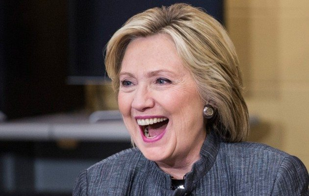 Elizabeth Banks' Whohaha-Hillary Clinton Laughing