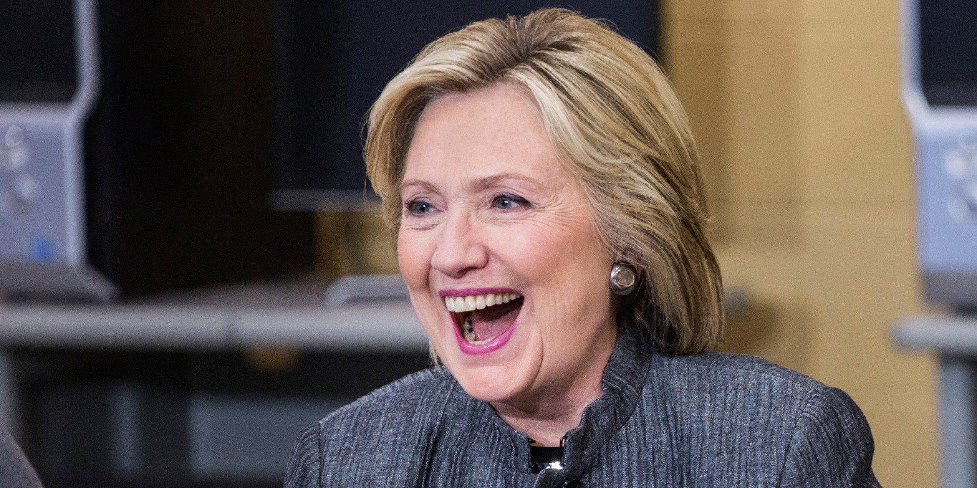 Elizabeth Banks' Whohaha-Hillary Clinton Laughing