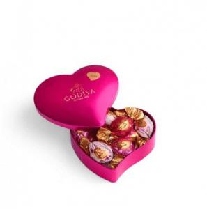Elizabeth Banks' Whohaha-Valentines's Chocolate