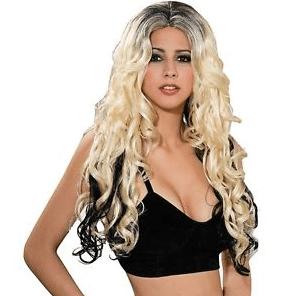 Elizabeth Banks' Whohaha-Shakira