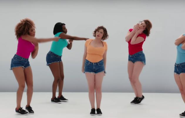 Elizabeth Banks' Whohaha-Heavy Boobs