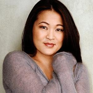 Elizabeth Banks Whohaha-Suzy Nakamura