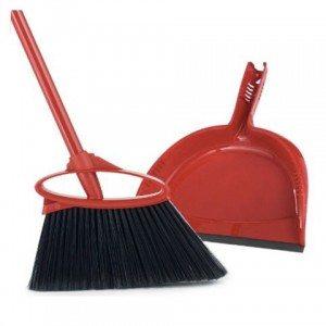 Elizabeth Banks Whohaha-Broom