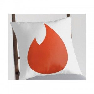 Elizabeth Banks Whohaha-Tinder Pillow