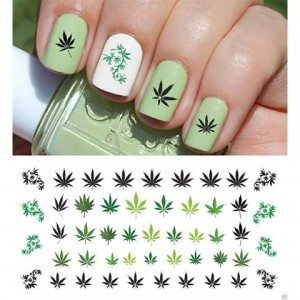 Elizabeth Banks Whohaha-Weed Nails