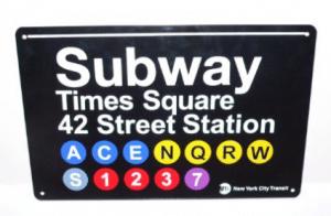 Elizabeth Banks Whohaha-Subway Station