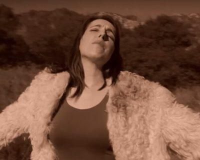 Elizabeth Banks Whohaha-Adele Parody